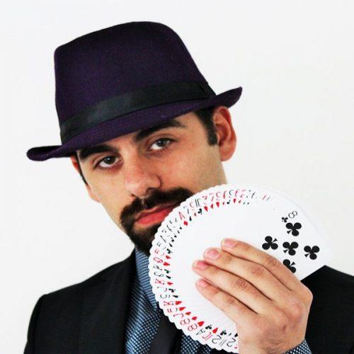magicien close up spectacle adulte et enfant pour toute fete