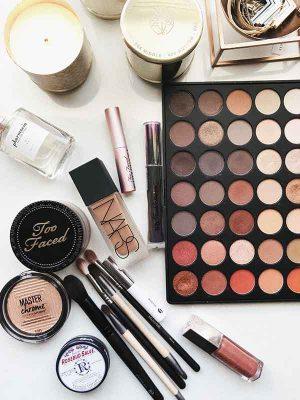 maquillage cours ateliers en entreprise avec maquilleuse professionnelle