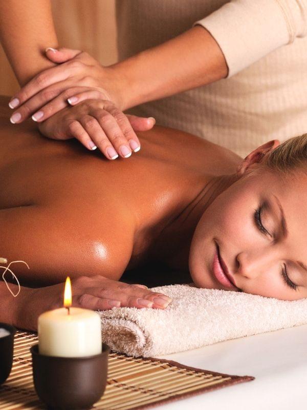 bien-être en entreprise : massage relaxation avec masseuse professionnelle