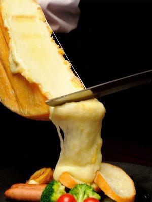 traiteur raclette fondue savoyarde animation paris fromage hiver noel