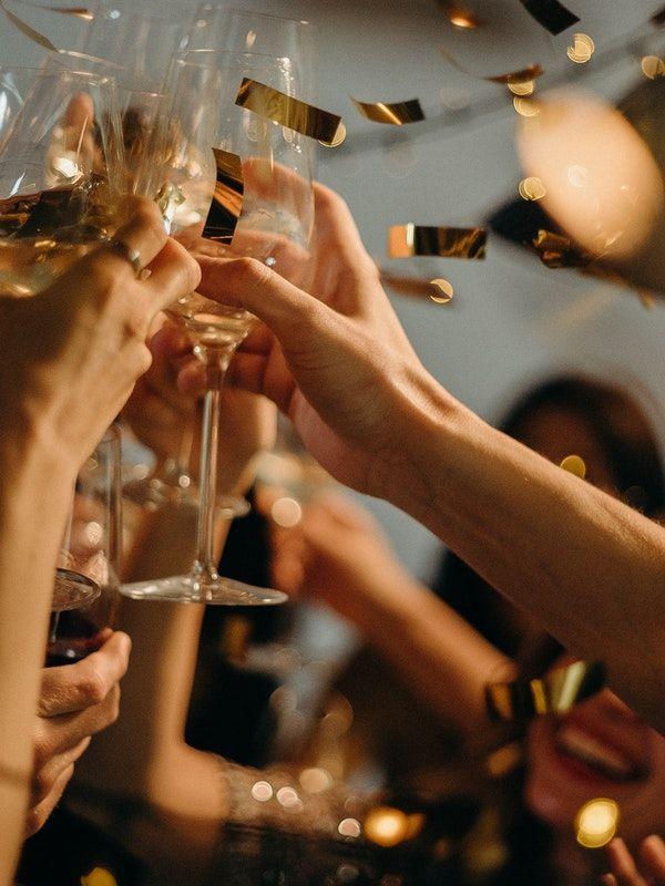 Fête d'été en entreprise, party, barbecue, summer party, entreprise, traiteur
