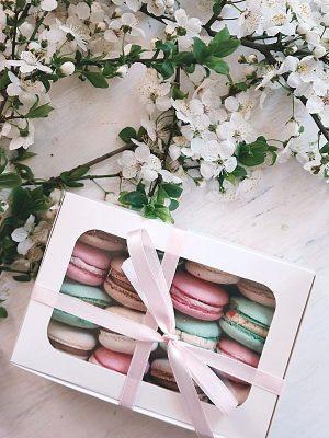 coffret macaron cadeau à offrir pour entreprise boîte à macaron cadeaux d'affaire